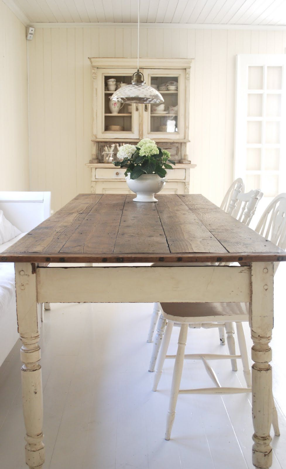This Is So Easy To Achieve With An Old Farmhouse Table Just Paint The Base