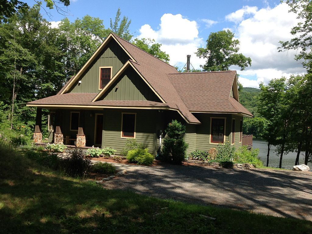 lakefront cottage on serene, private... HomeAway Lake