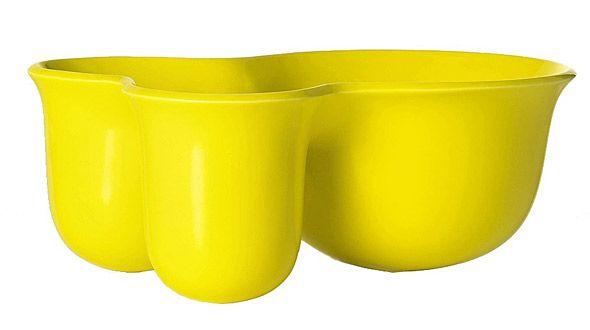 Muuton huikean kirkasta Vitamin Containeria voi pitää yöpöydällä ja säilyttää siinä vaikka koruja ja kosmetiikkaa. Vitamin Container 49 €, Katoko