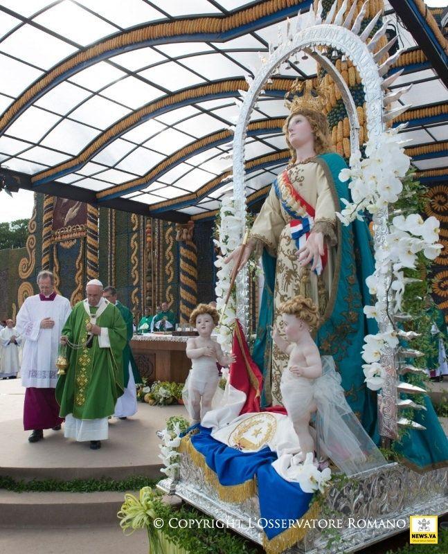 12-07-2015 Misa en Ñu Guazú (Paraguay)/ Holy Mass at Nu Guazú
