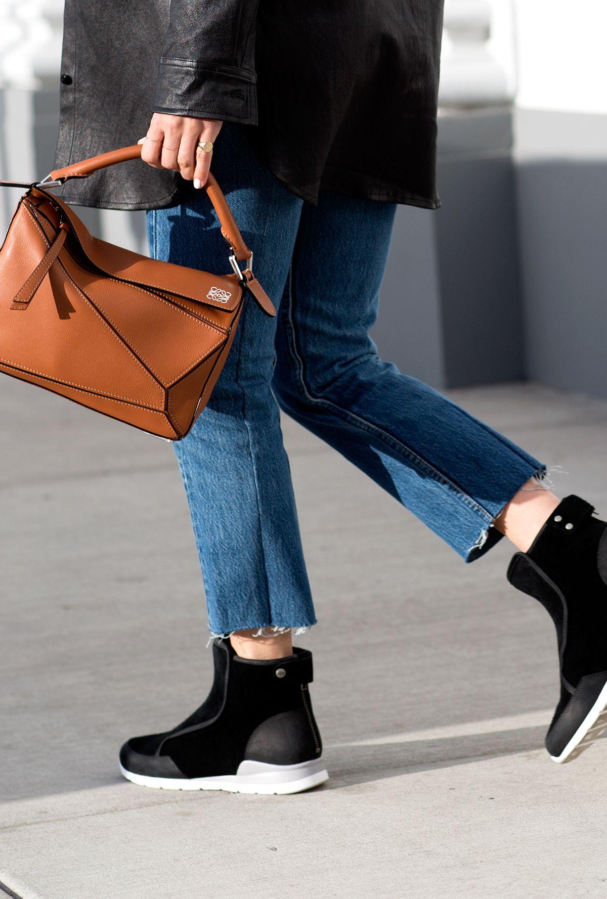 8e1bcd0cc5500d Always Judging Laurelle Ugg boot Loewe puzlle bag