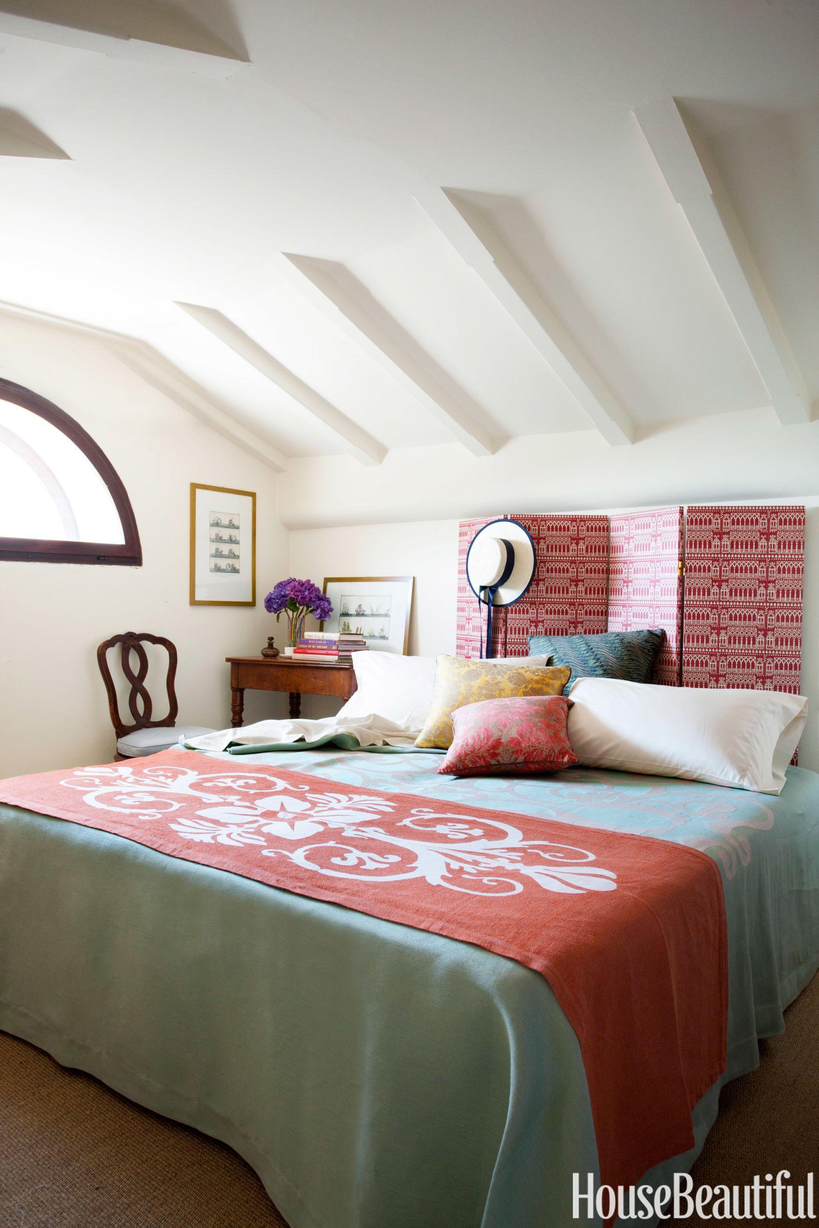 Master bedroom headboard design ideas   SpaceSaving Design Ideas for Small Bedrooms  Bedrooms Master