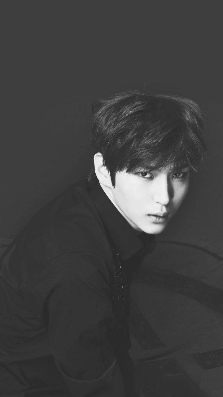 VIXX Leo BW Lockscreens Vixx Wallpaper Jung Taekwoon Sign