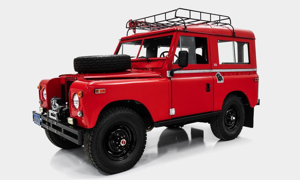 Classic Car Studio 1971 Land Rover Defender Series II