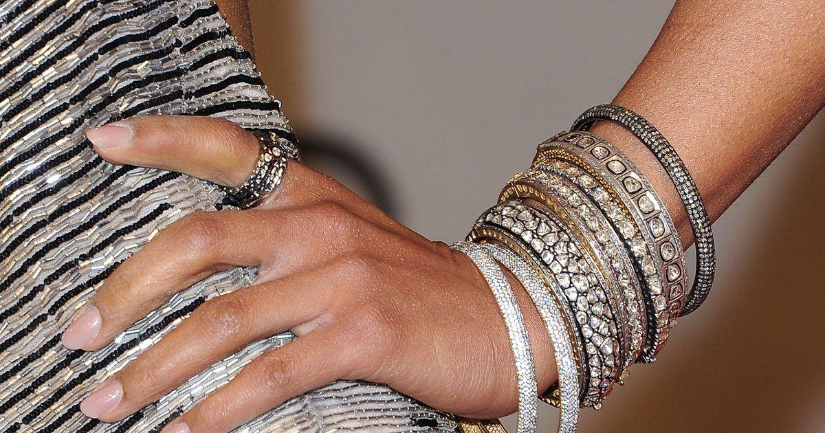 Los mejores colores de esmaltes de uñas para usar con un vestido ...