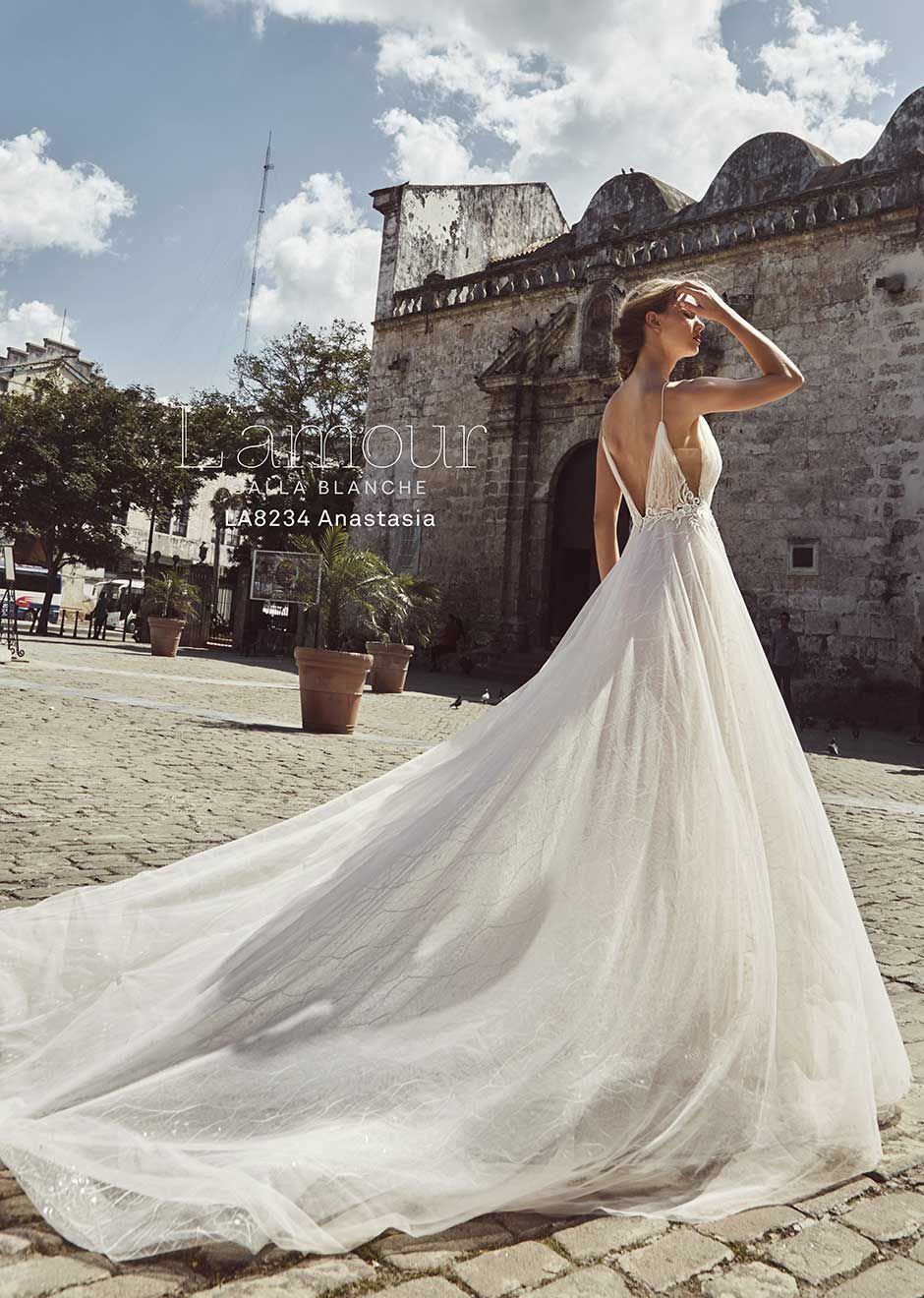 517dbc5bd9d L Amour Anastasia