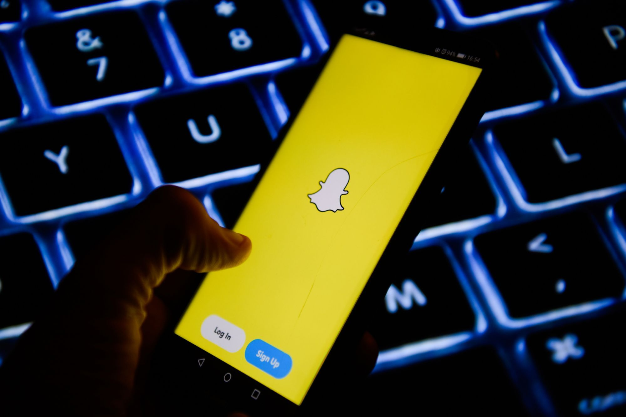4 Tips for Launching Winning Snapchat Ads Snapchat