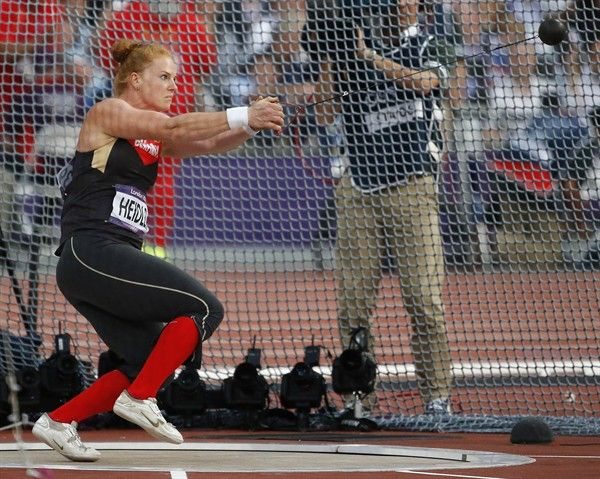 Germany S Betty Heidler Takes A Throw In The Women S Hammer Throw Final Track And Field Sports Women Hammer Throw