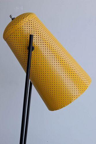 Eine Bodenlampe Von Plastolux Product Design Lochblech
