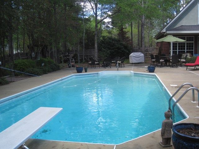 Just Reduced Large Family Home With Pool Guest House 8641 Battery Court 4br 4ba 2 1 2 Baths 409 000 Call Shirley 706 Pool Houses Home New Homes For Sale