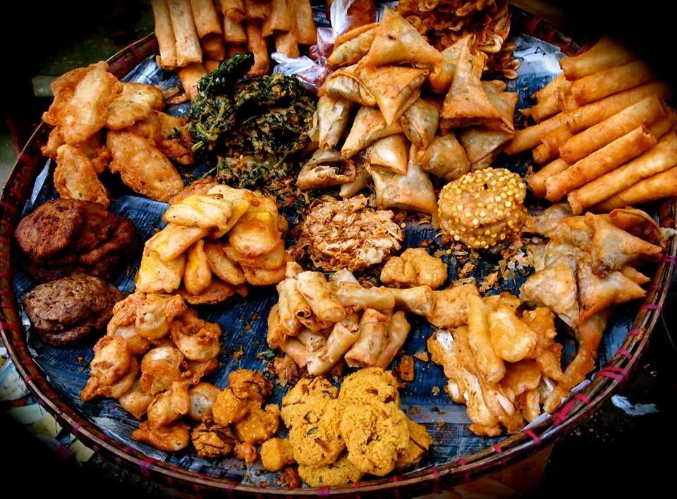 Myanmar deep fried vegetables.. (Akyawsone) World
