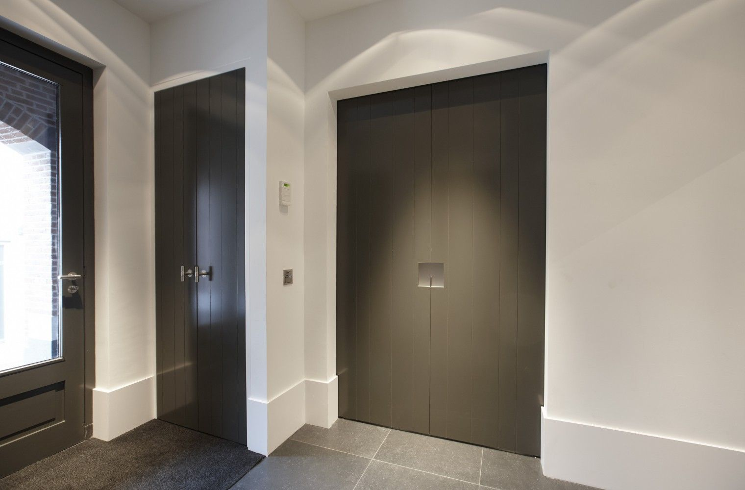Hal met deuren van bod or model oostzaan design by piet boon