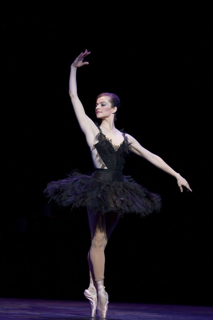 Pretty Ballerina - Dress Up in Style & Dance - Apps on ...