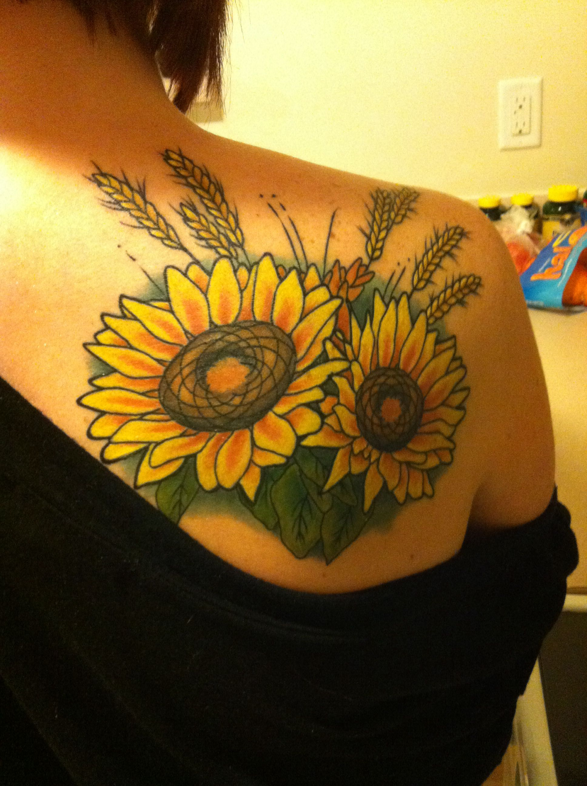 cant wait to get my sunflower tattoo!!! i like the idea of ...