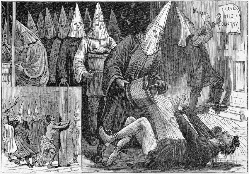 Am Gesetz vorbei:  Den Amerikanischen Bürgerkrieg hatten die Südstaaten...On law by: The American Civil War had the southern states lost and with it the lucrative slave labor on their plantations. In 1865 founded the Ku Klux Klan many whites saw an opportunity to take revenge on the suddenly free and equal ex-slaves or keep them away by violence and intimidation of election and the social life.