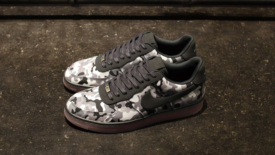 NIKE AIR FORCE I DOWNTOWN TXT QS BLK/GRY/CAMO