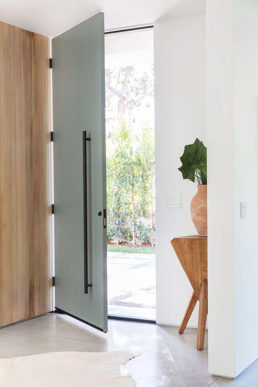 23 Stylish Scandinavian Door Design Ideas Looked Outside In 2020 Scandinavian Doors Front Door Hardware Doors Interior