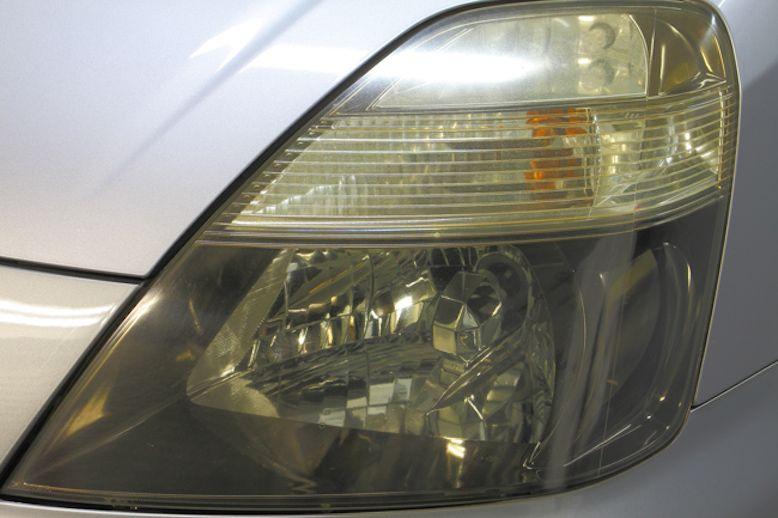 車のヘッドライトの黄ばみの取り方は 実は使える以外な物 テラニシモータース 車のヘッドライト ヘッドライト 車