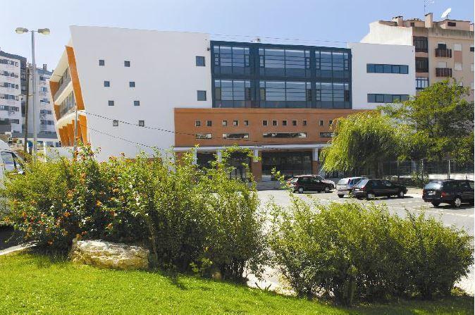 Loja para Arrendamento no Centro Domingos Jardo no Cacém | Imóveis em Portugal