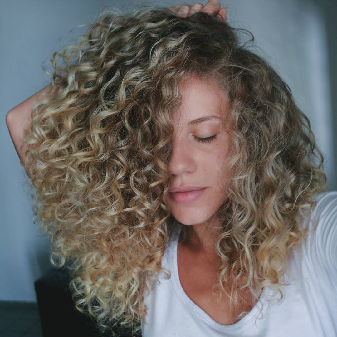 Love The Color And Length Blonde Highlights Curly Hair