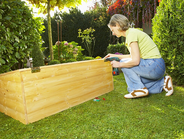 Frühbeet selber bauen   WorklifeExperts   Selber machen garten, Selber bauen, Gartenliege selber ...