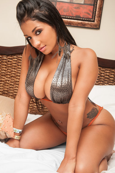 Hot latina women pics