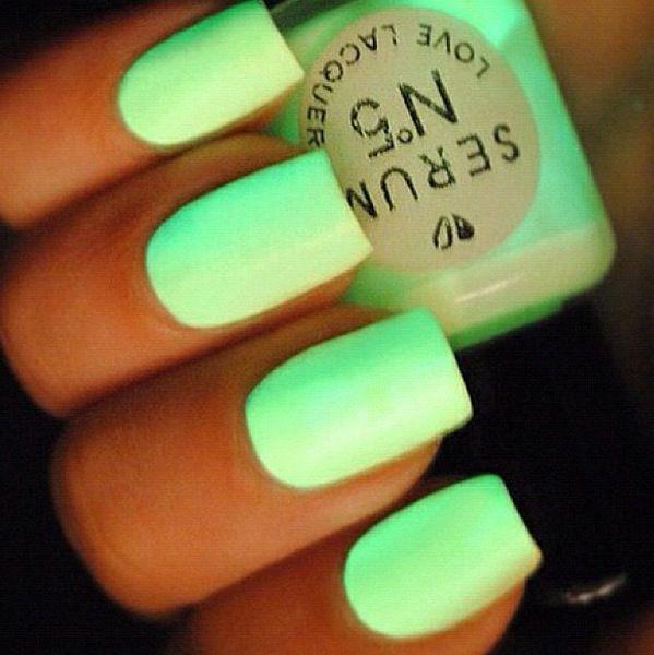 Fluorescente | uñas | Pinterest | Neón y Fiestas