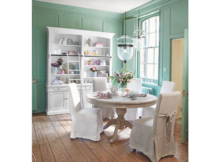 Une Maison De Charme Style Cottage Anglais Salle A Manger Bois Table Salle A Manger Table A Manger Ronde