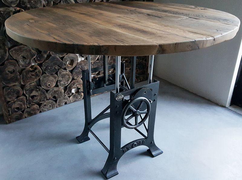 Ronde Tafel Industrieel : In hoogte verstelbare ronde tafel industrieel zonverbrand oud