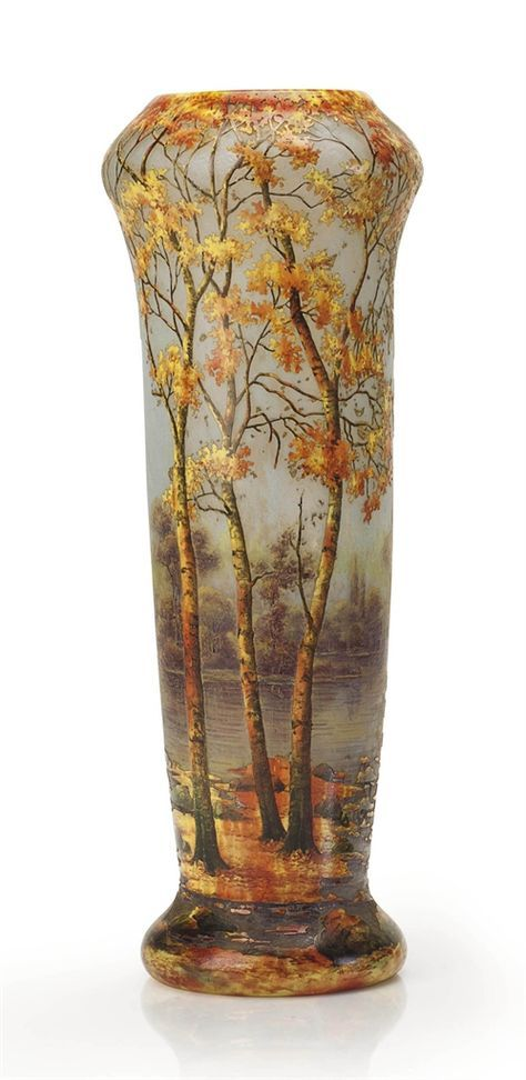 A FRENCH 'AUTUMN LANDSCAPE' VITRIFIED CAMEO GLASS VASE BY DAUM FRÈRES, CIRCA 191O