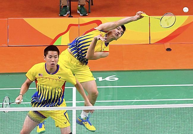 Beregu Goh V Shem Dan Tan Wee Kiong Dapat Rumah Bernilai Rm1 Juta Beregu Lelaki Badminton Negara Goh V Shem Dan Tan Wee Kiong Badminton Tan Basketball Court