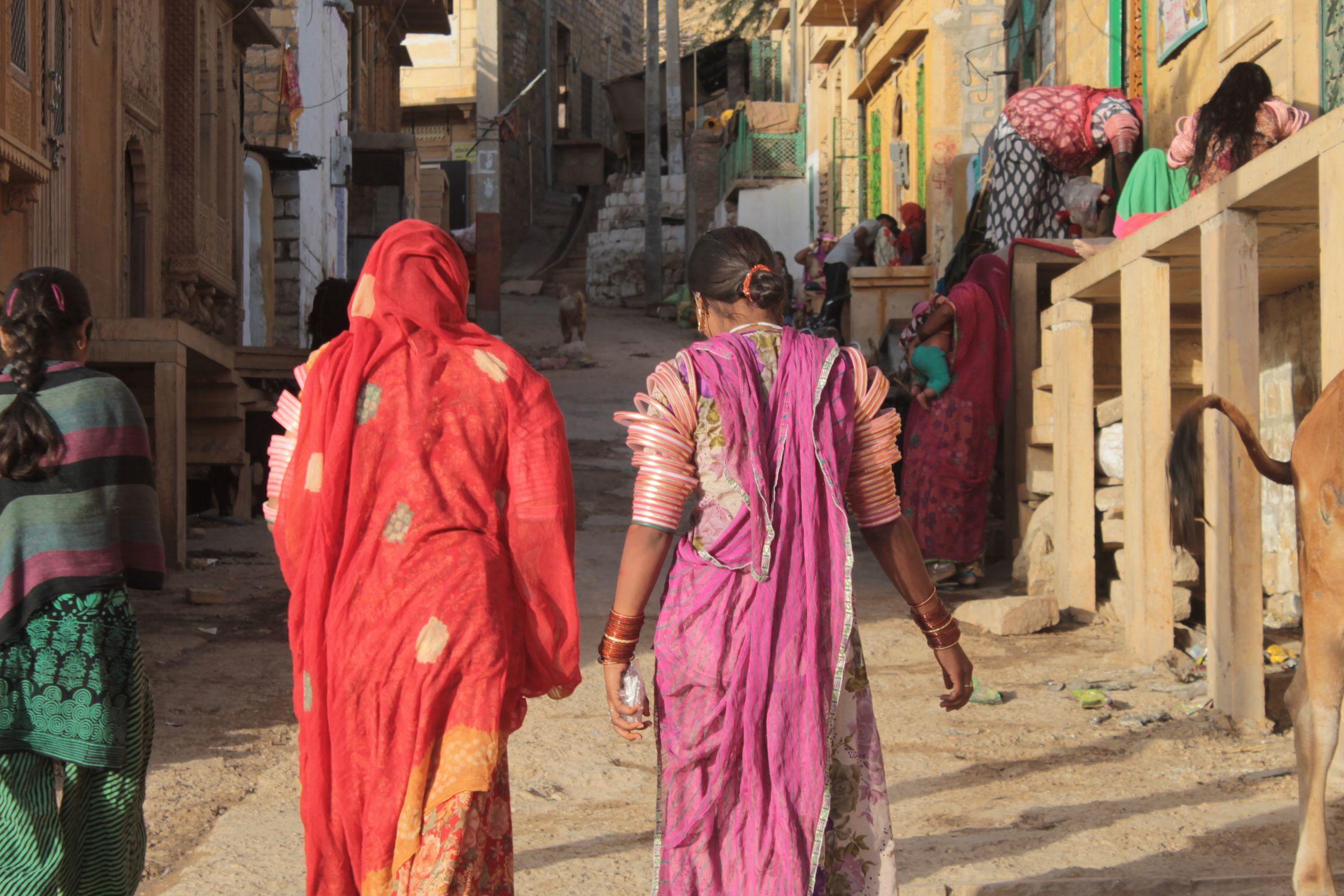 Mujeres por las calles de Jaisalmer