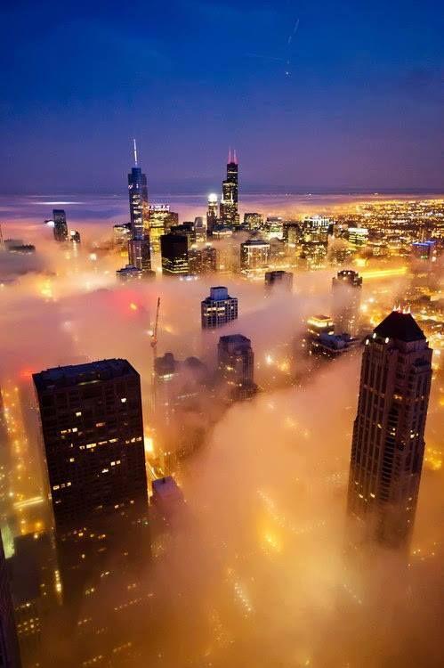 Foggy night in Chicago, Illinois