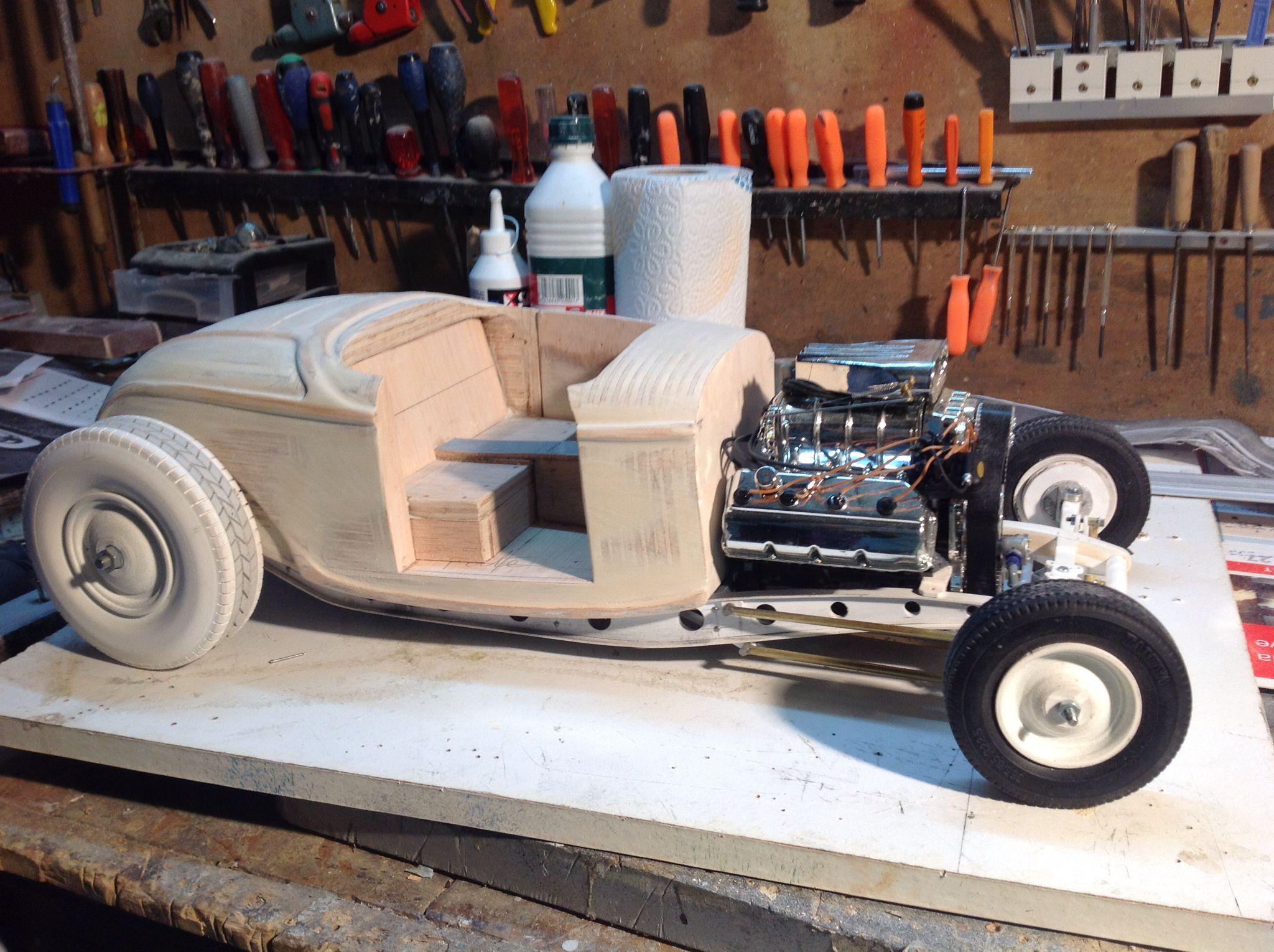 maquette carrosserie pr te pour recevoir la couche d appr t maquette hot rod ford 1932 chelle. Black Bedroom Furniture Sets. Home Design Ideas