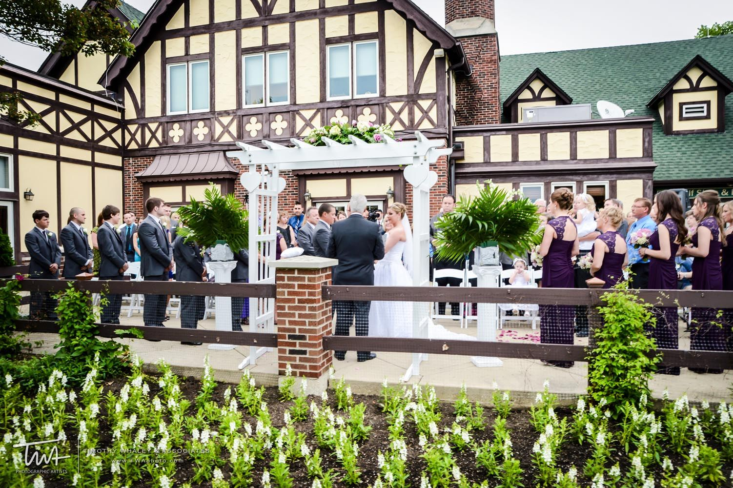 Twa Weddings At Chevy Chase Country Club Enter To Win Our Complete Wedding Giveaway
