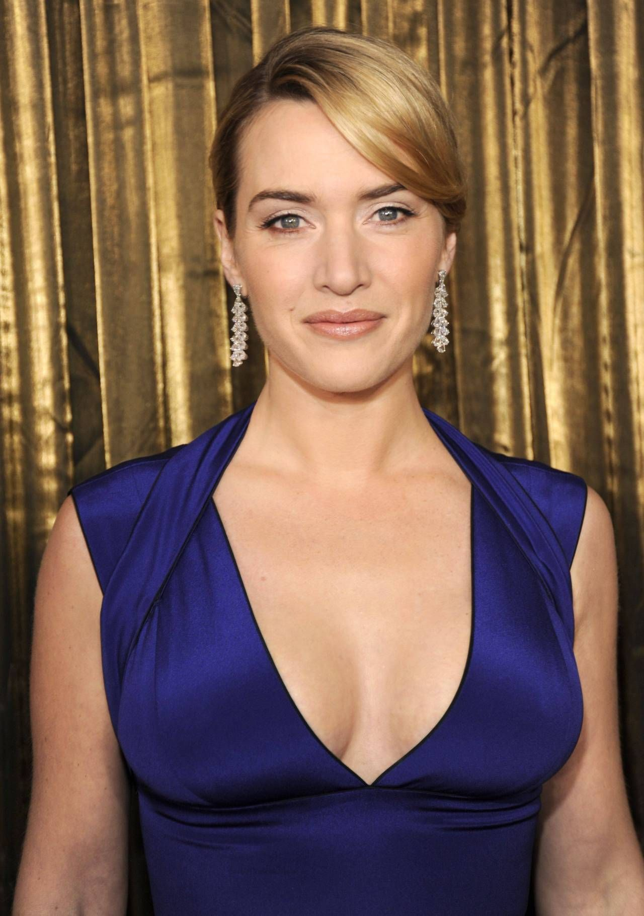 Watch Kate winslet cleavage video