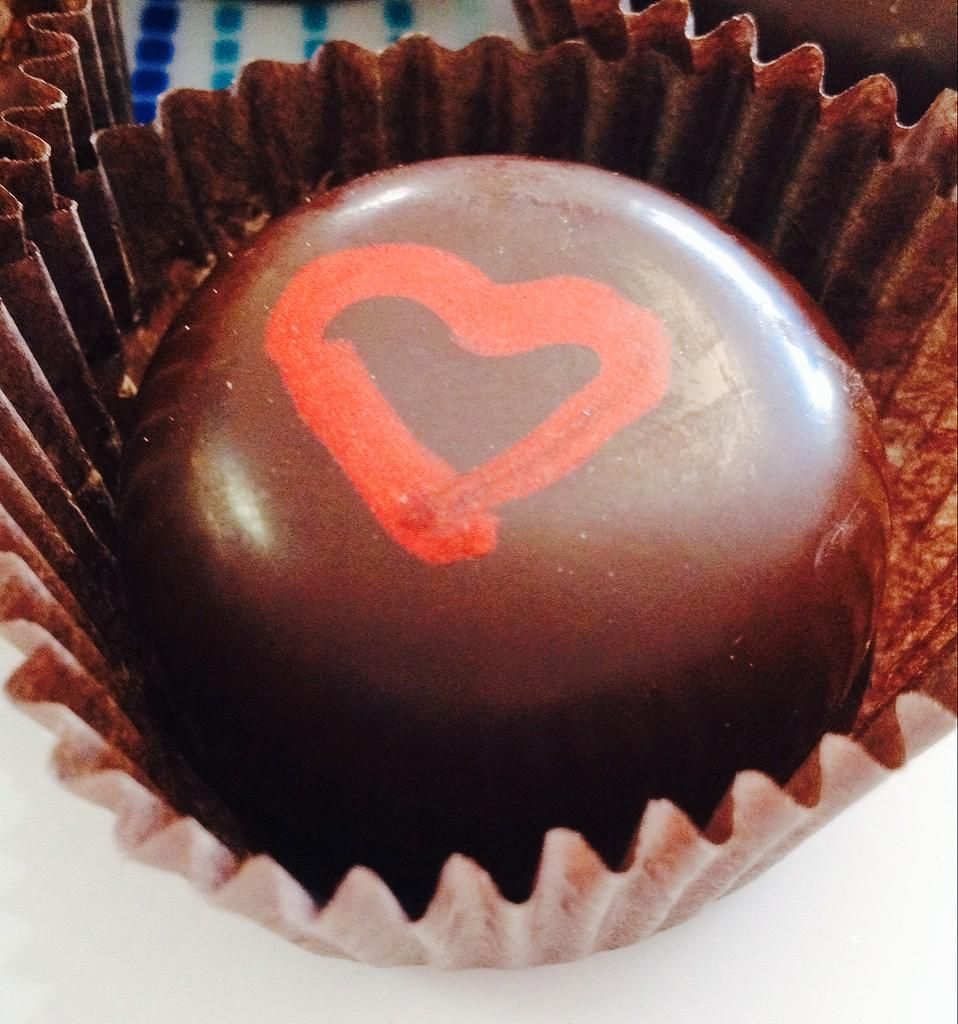 Cero S Candies On Twitter White Chocolate Ganache Chocolate Ganache Strawberry Preserves