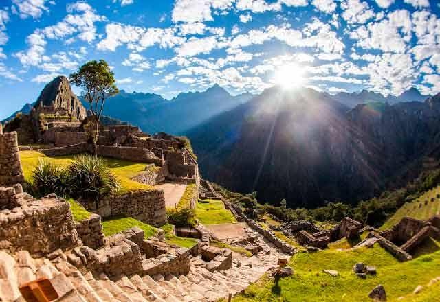 """Viajar es una buena forma de aprender y de superar miedos"""" http://www.salkantaytrek.org/"""