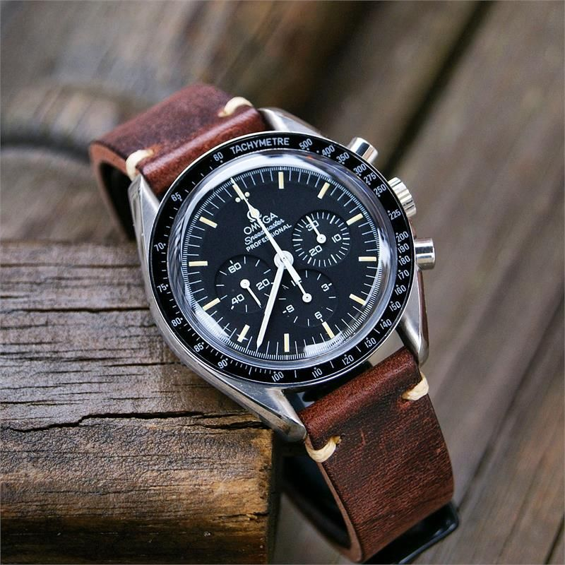 20mm Classic Vintage Watch Band Chestnut Leather Ecru Stitch | B & R Bands #vintagewatches