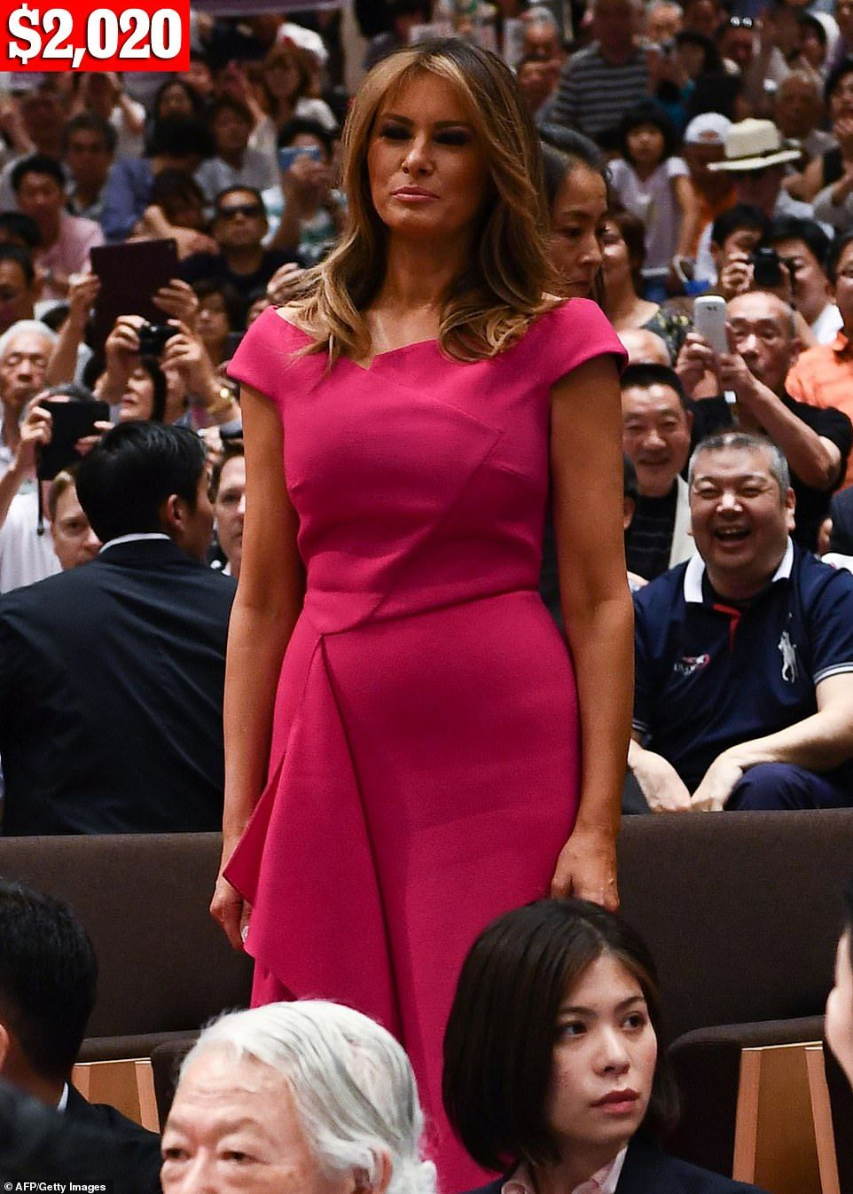 Melania Trump Wears 20 000 Worth Of Clothes On 4 Day Trip To Japan Milania Trump Style Clothes Classic Shirt Dress