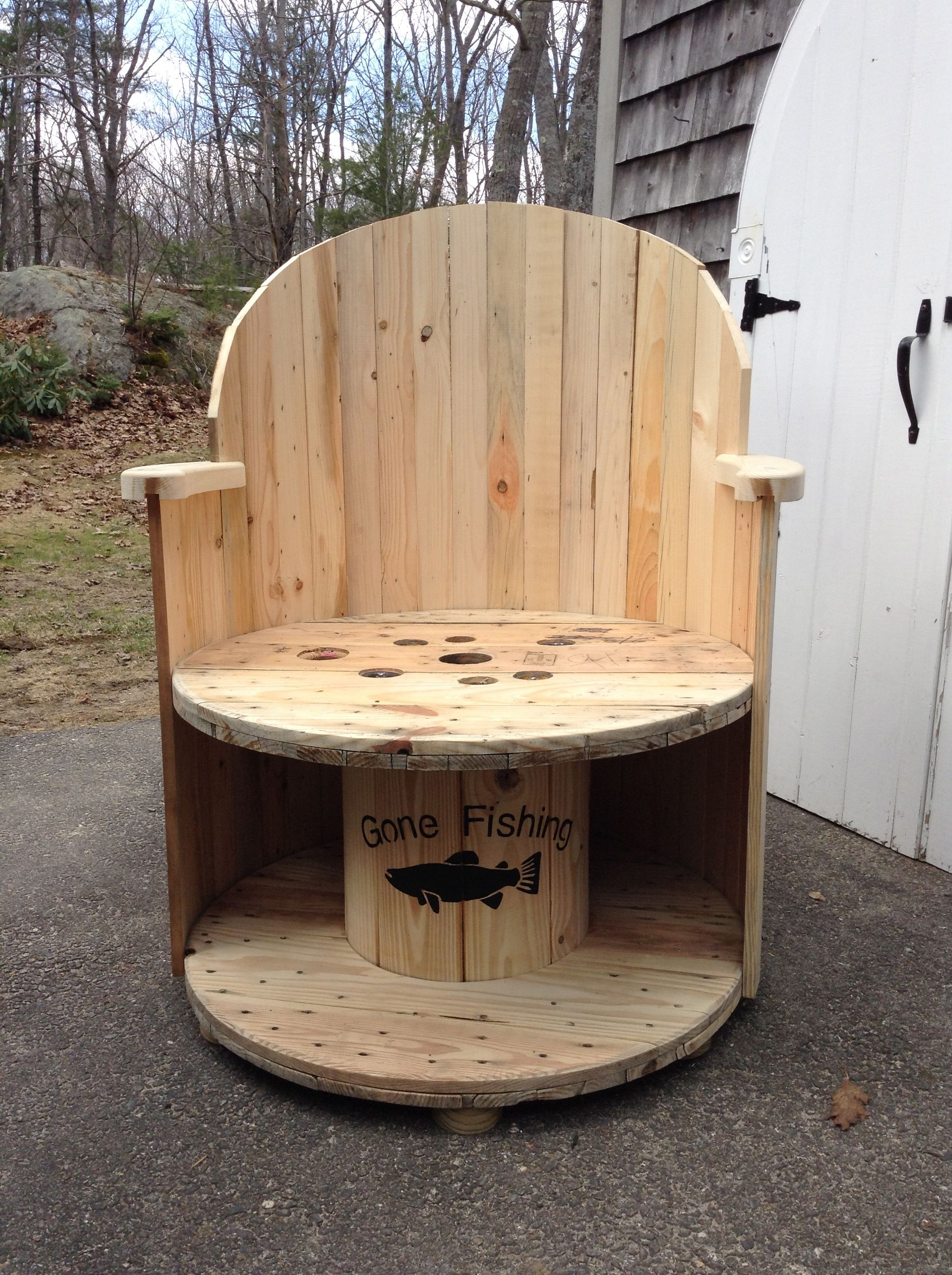 Amazing Simple Inexpensive Garden Chair Made Out Of A Cable Wire Wheel And Scrap  Wood.