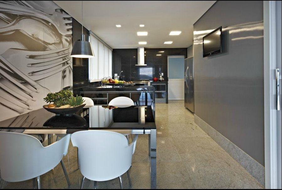 Mais uma vez os tons de cinza sugerem modernidade à esta cozinha, projetada pela designer Gislene Lopes.