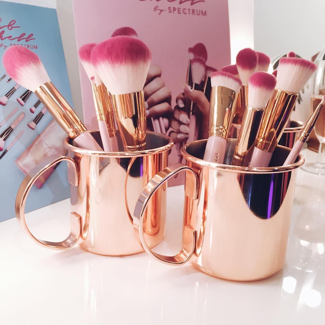 Pin by ᔕαvvʏ on †ᴴᴱᏰᴇᴀᴜᴛʏ♭ℓᴇη∂ᴇʀ Makeup blogger, Makeup
