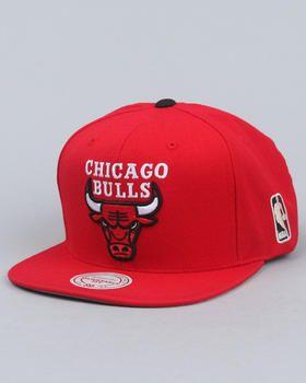 f2ed7a87 Mitchell & Ness | Chicago Bulls Classic Logo Snapback Hat | Mitchell ...