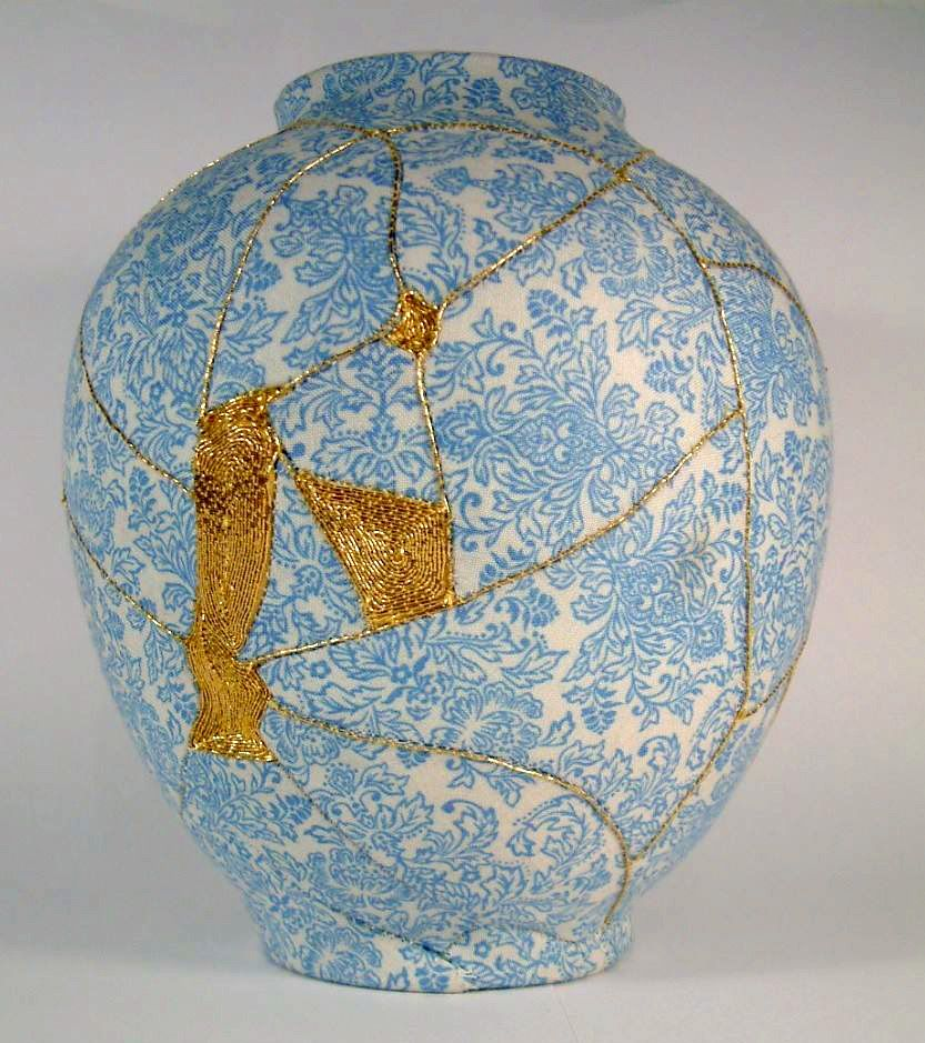 Artist Mimics Japanese Kintsugi Technique To Repair Broken Vases With Embroidery Kintsugi Kintsugi Art Japanese Pottery