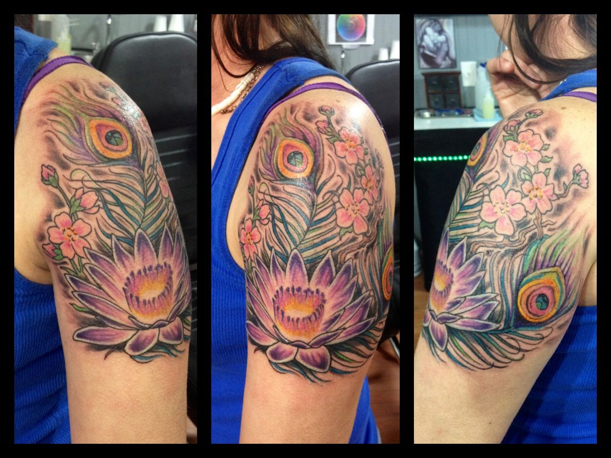 Peacock Feathers And Flowers Tattoo Tattoos Tattoos Peacock