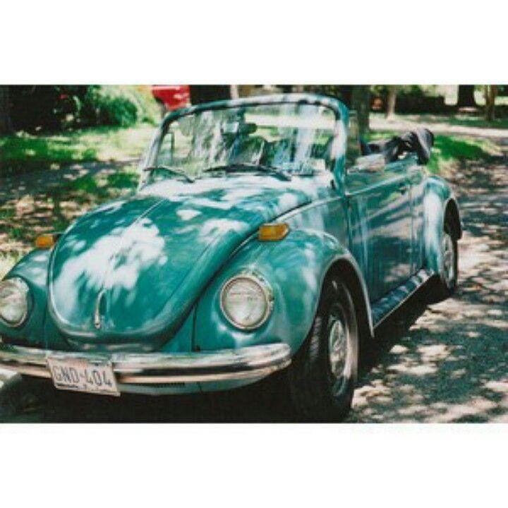 Old Volkswagen beetle, this is like my dream car :) old school lol ...