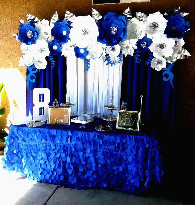 Elegante Decoracion De Cumpleaños Azul Y Plateado Para Hombre