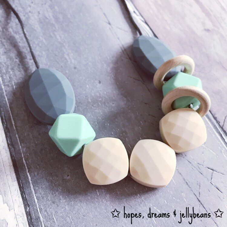 Pink Silicone Wooden Teething Necklace//Nursing Breastfeeding