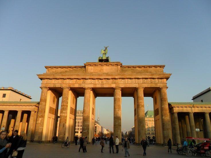 Germany Berlin Brandenburger Tor Kleinekinderzimmerideen Einfachehaarideen Indie Outfitswinter Schlafz In 2020 Dream Vacations Outdoor Structures Outdoor